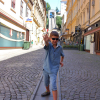 Загреб, на фоне фуникулера в Верхний город