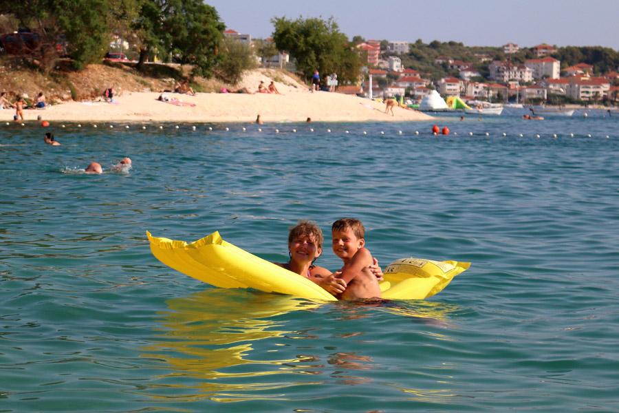 Остров Ciovo, пляж кемпинга Rozac